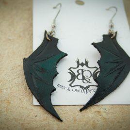 Flügelohrring Ohrhaken Fledermausflügel grün- schwarz