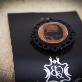 Brosche vintage Totenkopf Skull Schädel Anstecknadel