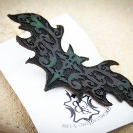 Haarspange Fledermaus Haarclip Ornament schwarz dunkelgrün links