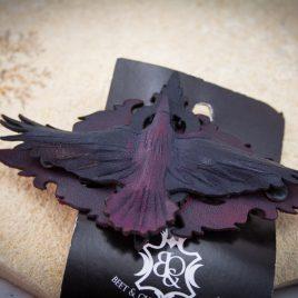 französische Haarspange Rabe auf Ornament rot schwarz