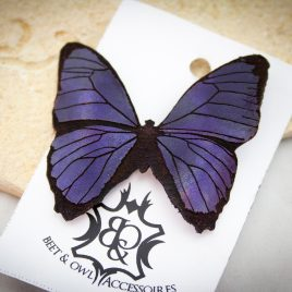 Haarspange schwarzer Schmetterling Falter lila glänzend links