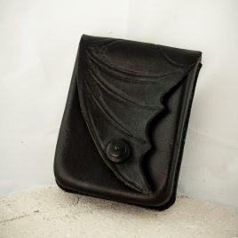 Gürteltasche Handytasche handvernäht schwarz Fledermausflügel Leder small