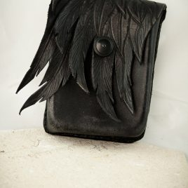 Gürteltasche Handytasche handvernäht schwarz Flügel Leder small