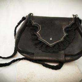 Umhängetasche Tragetasche Damenhandtasche Black Romance Leder und Spitze schwarz