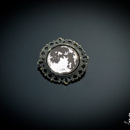 Brosche Vollmond Fullmoon Mond Moon and bat Mond und Fledermaus Anstecknadel 2 Varianten