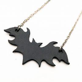 Halskette Kette kleine Fledermaus Bat Nachtschwärmer Flattermaus schwarz Echtleder