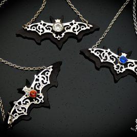 Halskette Kette Fledermaus mit Stein Bat Nachtschwärmer Flattermaus Echtleder 3 Varianten