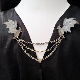 Kragenkette Cardigan- Brosche Fledermäuse