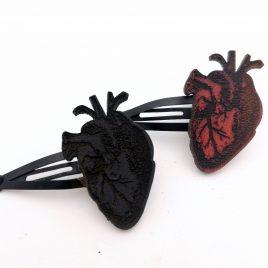 Haarspange Haarclip anatomisches Herz Heart schwarz rot Anatomie