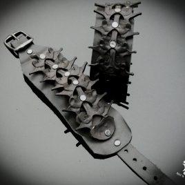 Armband Echtleder Wirbelsäule Wirbelkörper Vertebra schwarz Echtleder handpunziert
