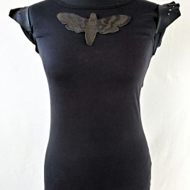 Damenshirt schwarz Motte Applikation Leder Moth