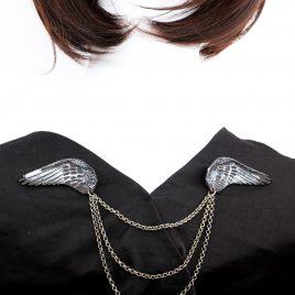 Kragenkette Cardigan- Brosche Rabenflügel